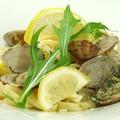 料理メニュー写真瀬戸のアサリと広島レモンのオイルパスタ