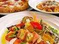 ピザやパスタ、野菜たっぷりなメニューが豊富♪