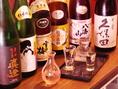全国から取り寄せた厳選日本を酒取り揃えております。季節の料理にぴったりの日本酒、その日のおすすめなどは、お気軽に店員までお聞きくださいませ。