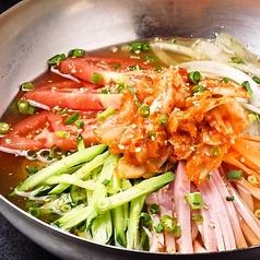 料理メニュー写真韓国風冷麺