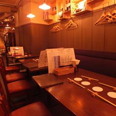 1階奥のテーブル席◎大人数でもご利用可能!4名席が3卓、2名席が1卓ございます!