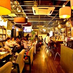 ヴァイナルカフェ vinyl cafe 天神今泉店の雰囲気1
