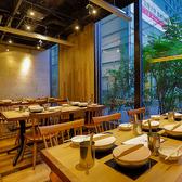 アグー豚しゃぶと沖縄料理 安里家 OSAKAの雰囲気2