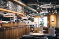 壁に描かれたチョークアートなど、見渡す限りオシャレさ満載のカフェ。女子会、デート、お祝い事などに連日大人気♪