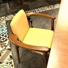 様々なご利用人数に対応可能なお席を完備しております。お子様連れの方に嬉しいお子様チェアご用意あり!お気軽にご利用ください。
