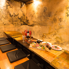 【2階】 1部屋限定の掘りごたつ個室は予約必須の人気席になってます!お気軽にお問合せ下さい!