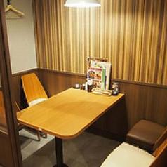 8名様 テーブル席