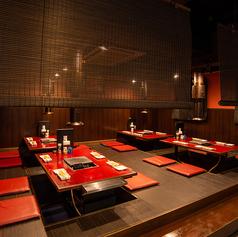 人気の掘りごたつの個室席。デートや女子会など、特別な時間を邪魔しないゆったり個室です。
