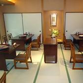 広間(テーブル席)