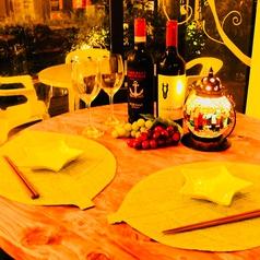 バルスタイルのテーブルは3つご用意しております。東北本線仙台駅、市営地下鉄仙台駅から徒歩5分圏内☆☆仕事帰りにさくっとどうぞ♪