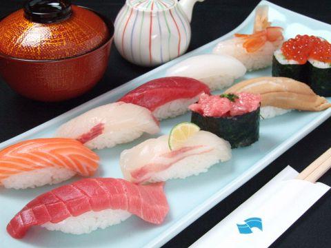 間違いのないネタと包丁技術!イキのいい板前が魅力の江戸前寿司!