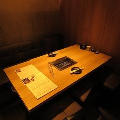 【1~2名様】窓際のテーブル席。気の合う仲間や接待などに。