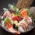 料理メニュー写真本日の直送鮮魚入り御造里七種盛り合せ