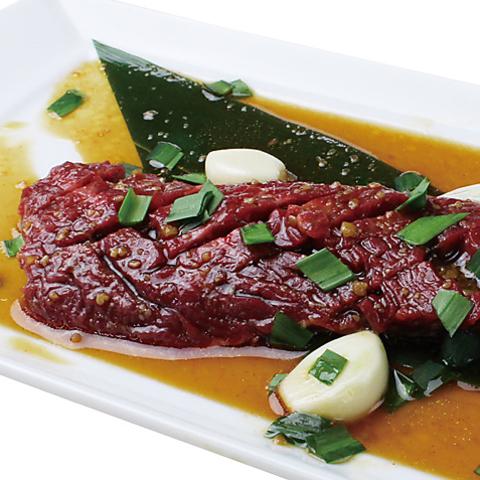 贅沢お肉をお得に♪人気の食べ放題コースはもちろん焼肉単品メニューは480円(税抜)~