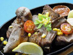 料理メニュー写真豚スペアリブの塩焼き