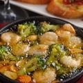 料理メニュー写真海老とブロッコリーアヒージョ