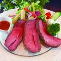 料理メニュー写真ローストビーフのサラダプレート
