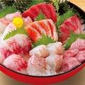 料理メニュー写真直送鮮魚入り刺身7点盛り(2貫盛)