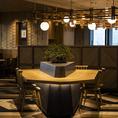 ◆テーブル席◆お客様にゆっくりくつろいで頂けるとうに、落ち着いた和モダンの内装となっております。