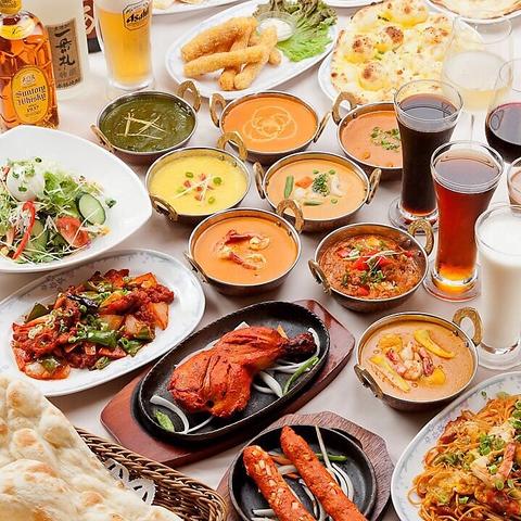 カレーは20種類以上、880円~ご用意。本場インドのタンドール釜で焼くお肉料理が◎