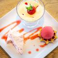 料理メニュー写真苺のuluruプレート