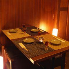 4名様でゆったり使えるテーブル席