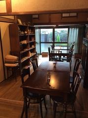 昭和10年に建築された自宅の1部を改装し、オープンした「カフェきのか」。住宅街の静かな立地にたたずんでおります。