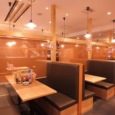 品川シーサイド駅からすぐ!人数に合わせてご利用ください。こちらのソファー席は4名様から最大8名様までお座り頂けます。