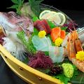 料理メニュー写真特撰朝獲れ海鮮刺身盛り合わせ