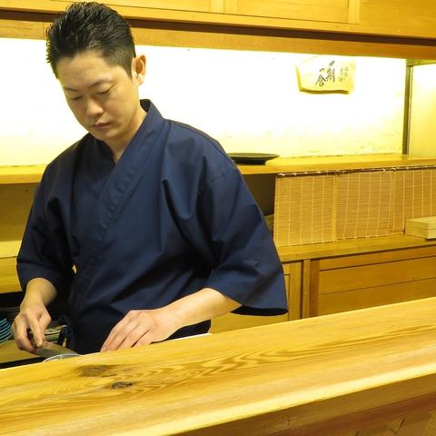 大阪・神戸で11年修行を積んだ腕利き板長が振るう絶品料理を。大人の隠れ家空間[八田]