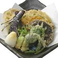 料理メニュー写真旬野菜のたっぷり天ぷら