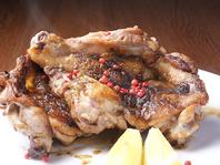 瀬戸赤鶏を用いたえごう特製の讃岐名物【骨付き鳥】