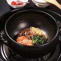 料理メニュー写真鍋焼きビビンバ