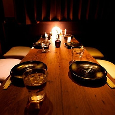 団体様でもゆったり個室!お客様に当店のこだわり料理をじっくりお楽しみいただくため、広々お使い頂けるよう設計したお部屋でご案内いたします。貸切宴会も可能!お問い合わせお待ちしております。