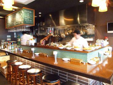 イタリアン バール ピエーノ Italian Bar PIENOの雰囲気1