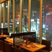 【2名様】カップルにおすすめ◎夜景が見える窓際のテーブル席