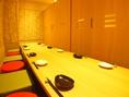 【座敷×個室】 12名まで収容可能!扉をぴったり閉めて、完全プライベート空間にすることが可能です。周囲の目を気にしなくていいので、宴会使いに重宝します◎