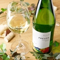 甘く豊かな果実味のワインや酸味が強め、重めのワインなど…豊富に取り揃えています。