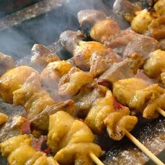料理メニュー写真もつ串(タレ・塩) 2本