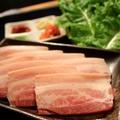 料理メニュー写真サムギョクサル(サンチュとキムチセット)