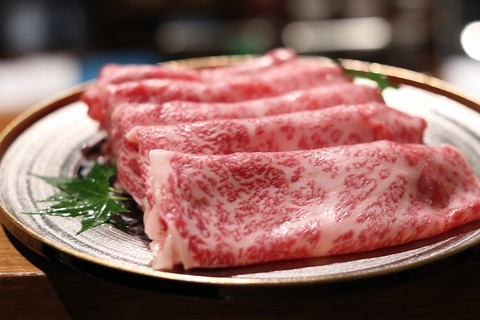 本格すきやきを気軽にカウンターで ~隠れ家で堪能する肉の旨みと心地よい空間~