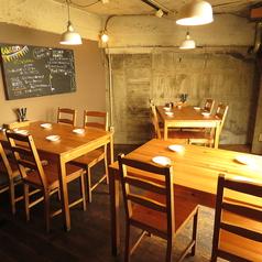 2Fは4名テーブルが3卓ございます!女子会や少人数の飲み会にピッタリのお席です♪4名様以上でも8名・12名などご対応いたしますのでお気軽にご予約ください!!