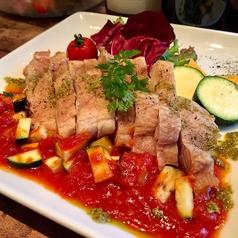 料理メニュー写真淡路鶏の炭火焼き ~ラタトゥイユとバジルのソース~