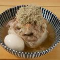 煮玉子入りの肉豆富。あっさりとした煮込みです。