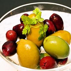 オリーブ2種盛り