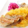 料理メニュー写真こだわり餃子とチーズの『すりおろしチーズ餃子』