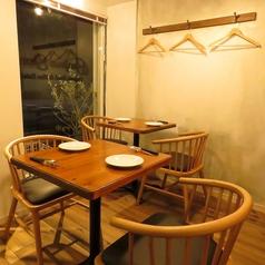 小さな一軒家で特製のディナーを召し上がれ。