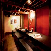 ロフト下の隠れ家スペース半個室席