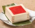 料理メニュー写真苺とあずきのティラミス