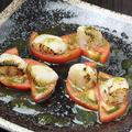 料理メニュー写真 トマトとホタテのカプレーゼ(バジル